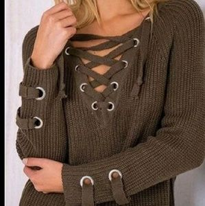 🆕️LACE-UP CHUNKY SWEATER